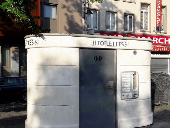 Project call for an artwork on 3 public toilets