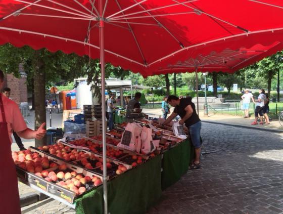 Saint-Lambert market