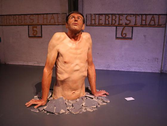 Expo Hyperrealism Sculpture