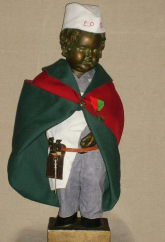Manneken-Pis as butcher
