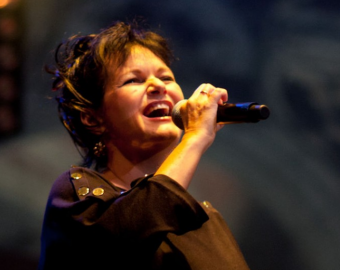 Tribute to Brel and Maurane at the Grand-Place