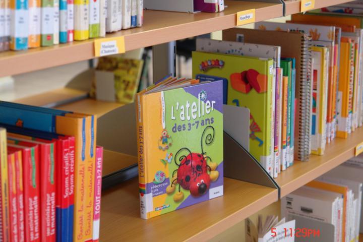 Centre Elisabeth Carter - library
