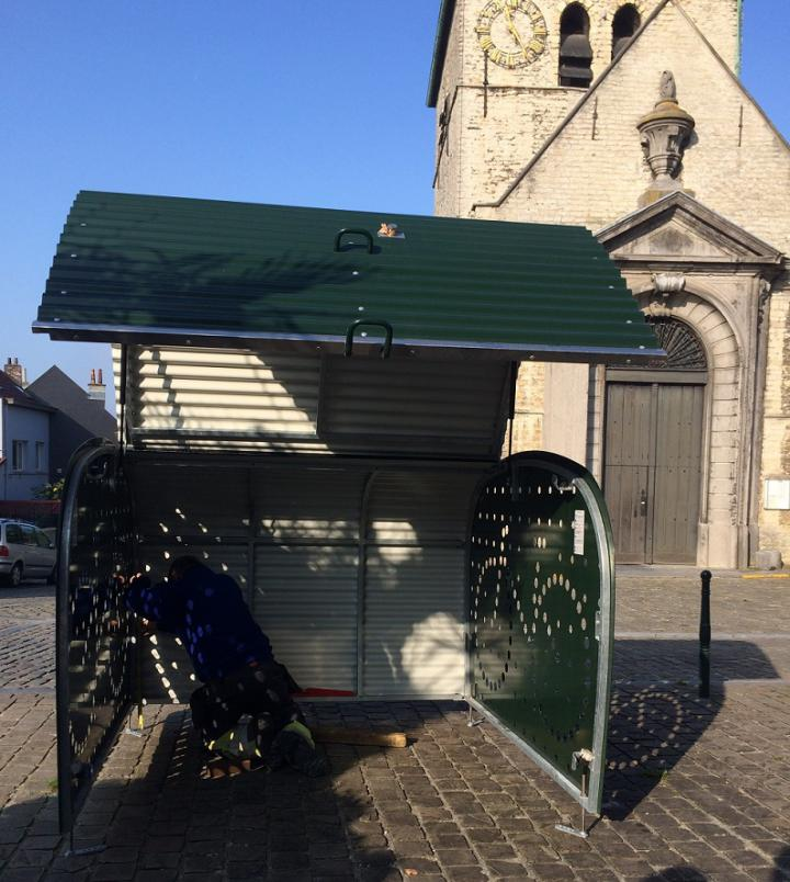 First bicyle box in Haren