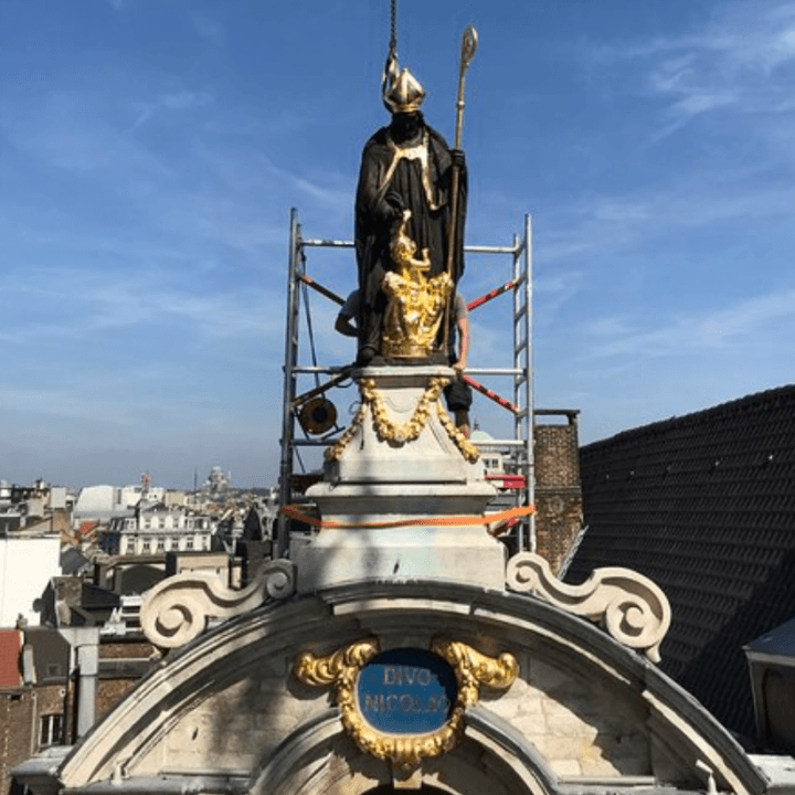 Return of the Saint-Nicholas statue at the Grand-Place